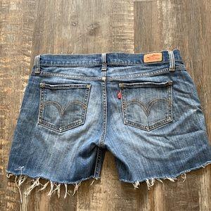 Levi cute jean shorts